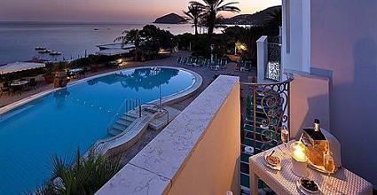 Отель Parco Smeraldo Terme, Ischia. Идеальное соотношение цены и качества. Лучшее место на острове. Самый красивый пляж. Термальные бассейны. Сердечные хозяева.